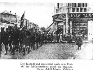 Desfile en Valdivia. Foto de Adolf Meyer, NSDAP Gauleiter.