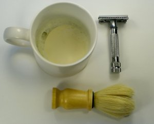 Safety_razor_shaving_kit