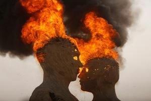 BURNING-MAN-embrac_3023409k