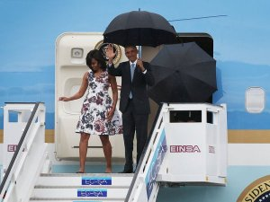 obama-lands-in-cuba-d14e7dd99492d549f8462a519f168ef5fee9d4fb-s800-c85